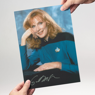 Gates McFadden 1 - Star Trek The Next Generation - Originalautogramm mit Echtheitszertifikat