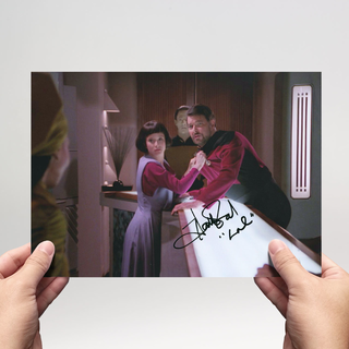 Hallie Todd 1 - Star Trek The Next Generation - Originalautogramm mit Echtheitszertifikat