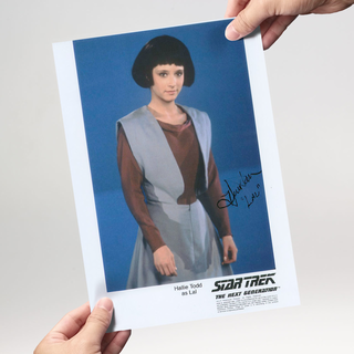 Hallie Todd 3 - Star Trek The Next Generation - Originalautogramm mit Echtheitszertifikat